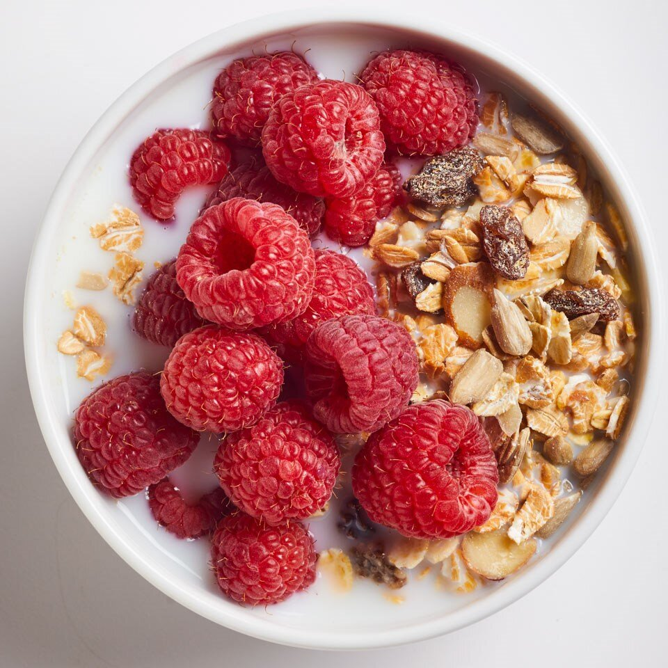muesli w/ raspberries