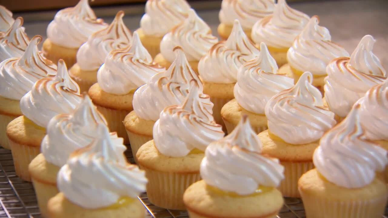 love cake decorating ideas.htm lemon meringue cupcakes martha stewart  lemon meringue cupcakes martha stewart