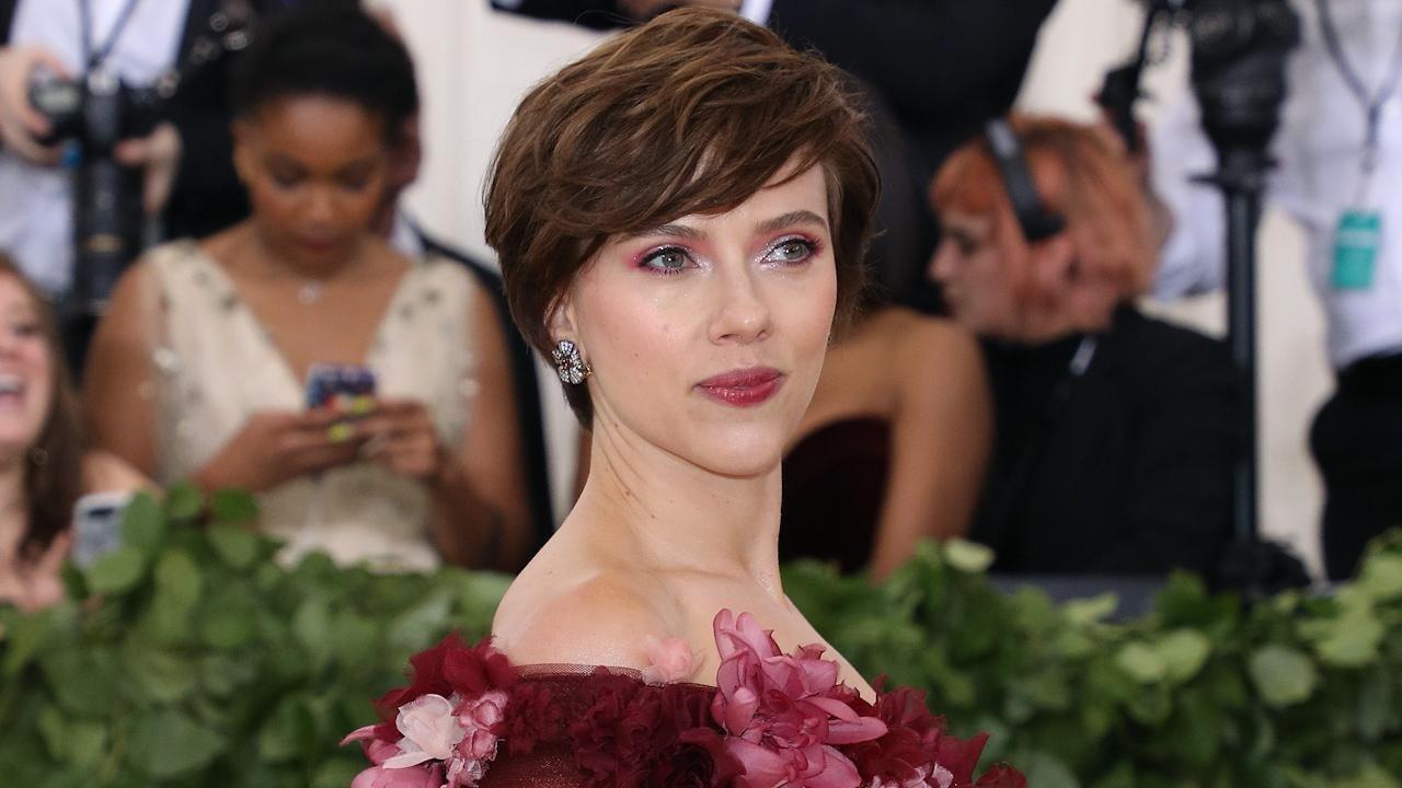 Is Scarlett Johansson Gay