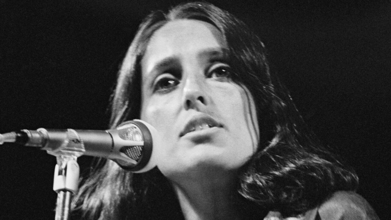 Seeher Story Recognizes Joan Baez In Episode 16 People Com