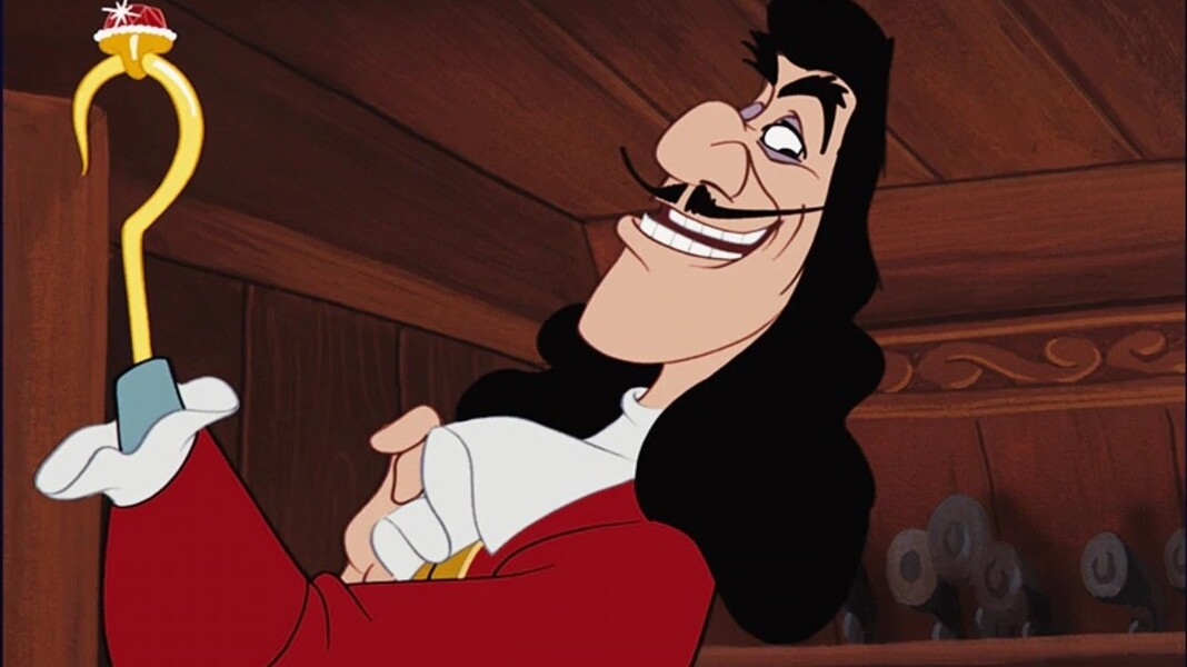 Live-Action Peter Pan Is Coming With Jude Law as Captain Hook, Reportedly |  HelloGiggles