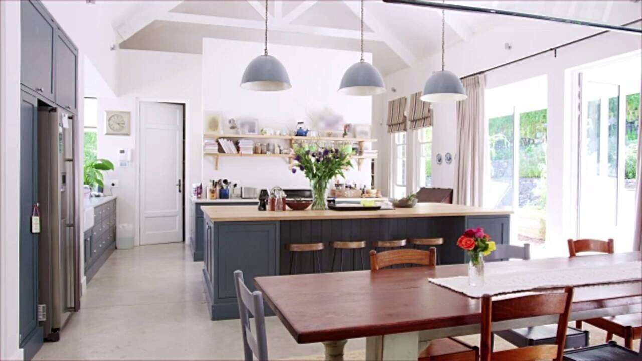 7 Paint Colors We X27 Re Loving For Kitchen Cabinets In 2021