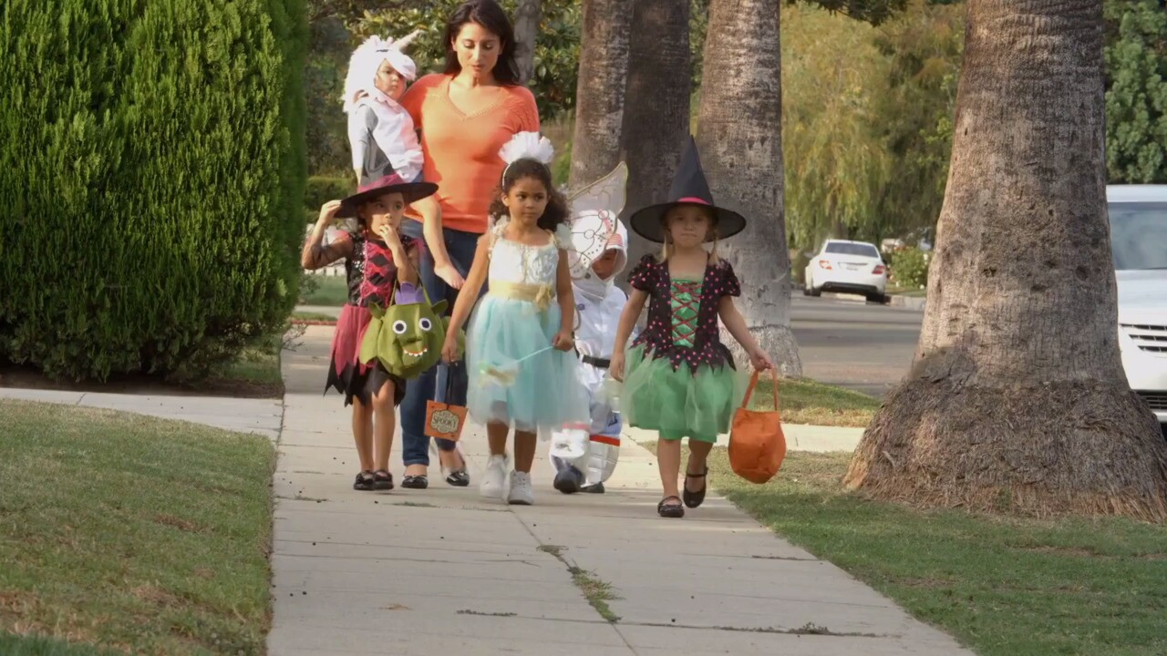 2020 Halloween Trick Or Treat Kids Maryland Will There Be Trick or Treating in 2020? Here Are the Latest CDC