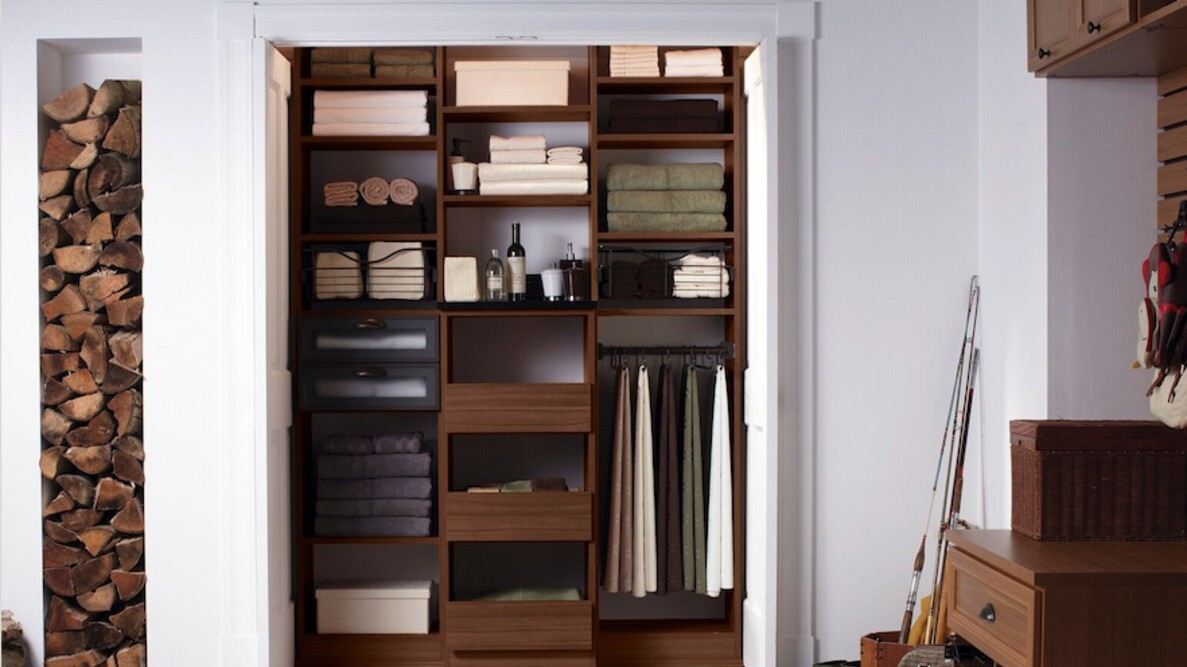 How To Expertly Organize Your Linen Closet Martha Stewart