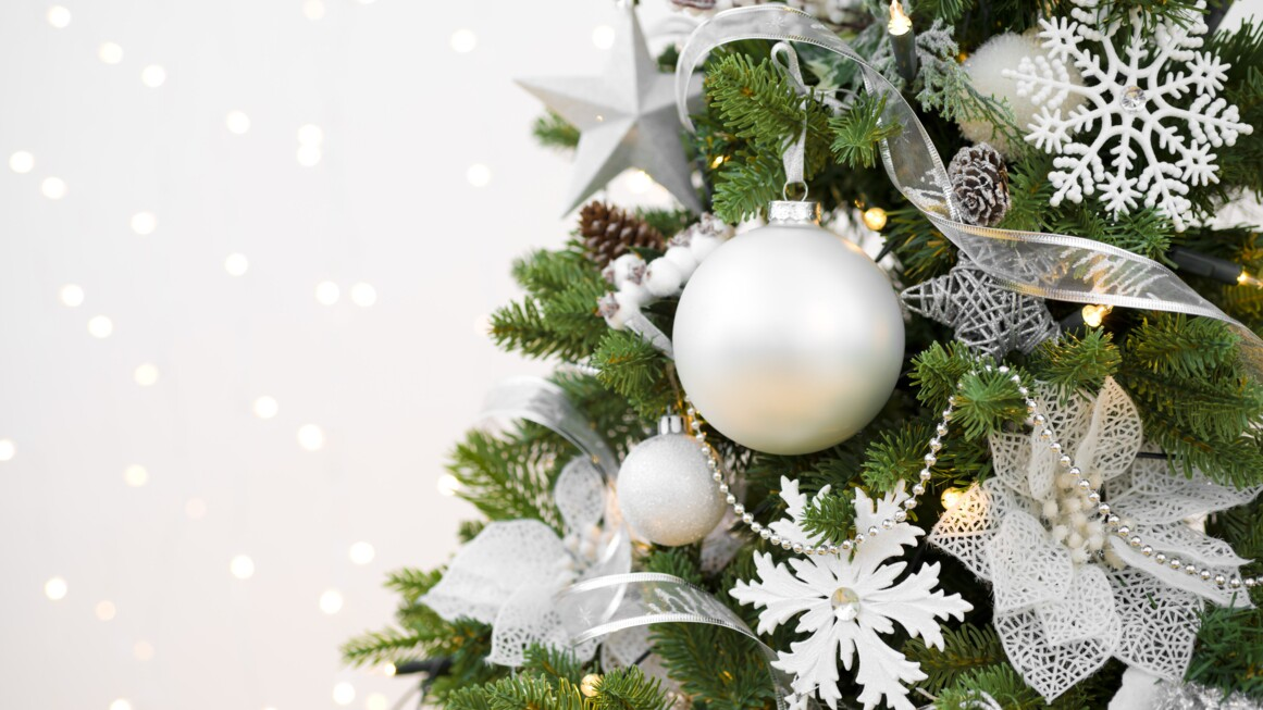 How To Decorate A Christmas Tree With Ribbon Martha Stewart