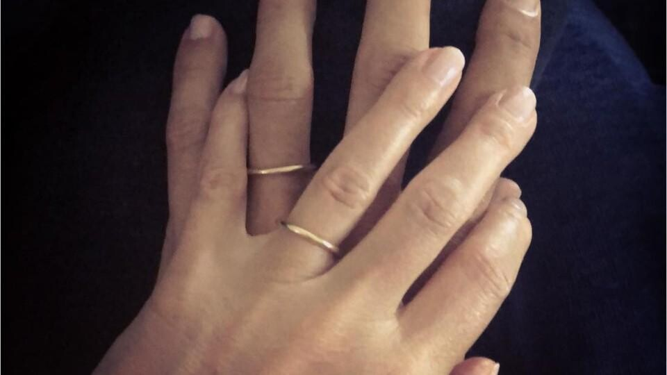 Here S What Gwyneth Paltrow S New Wedding Band Looks Like Instyle