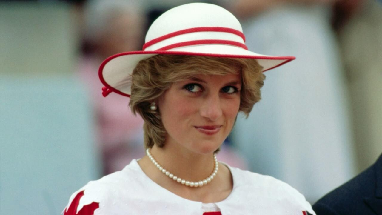 The Queen Did What To Princess Diana S Ghost Instyle