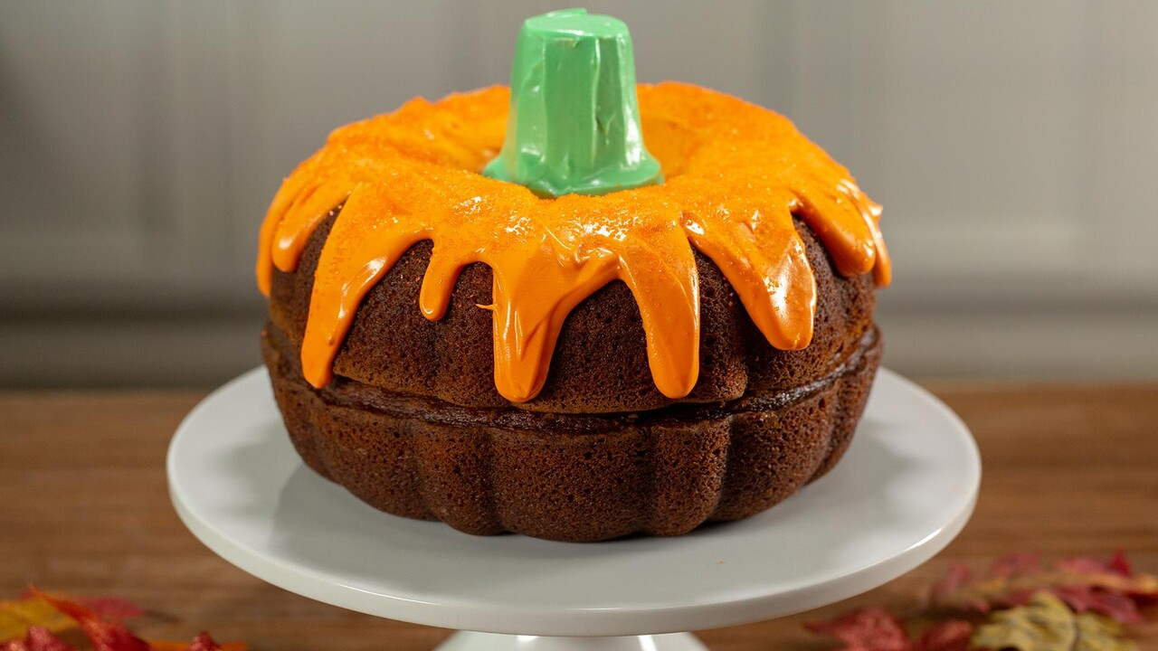 Boo Tiful Pumpkin Cake Recipe Myrecipes