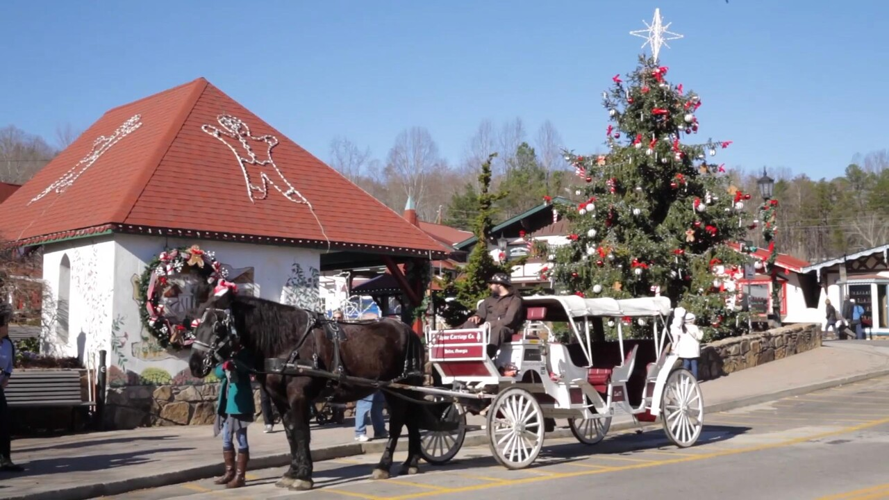 Things To Do In The State Of Georgia 2021 For Christmas 5 Things To Do In Helen Ga For Christmas Southern Living