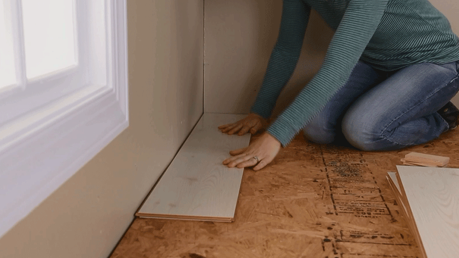 How to Install Laminate Wood Flooring for an Affordable Home Makeover |  Better Homes & Gardens