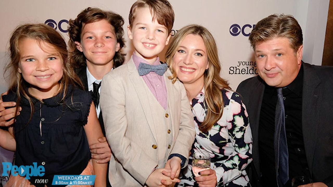 Big Bang Theory Young Sheldon Laurie Metcalf Daugther Zoe Perry Interview People Com