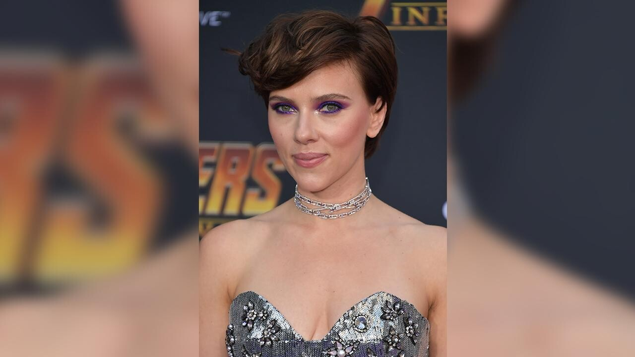 Scarlett Johansson S Daughter Thinks Mommy S A Superhero People Com