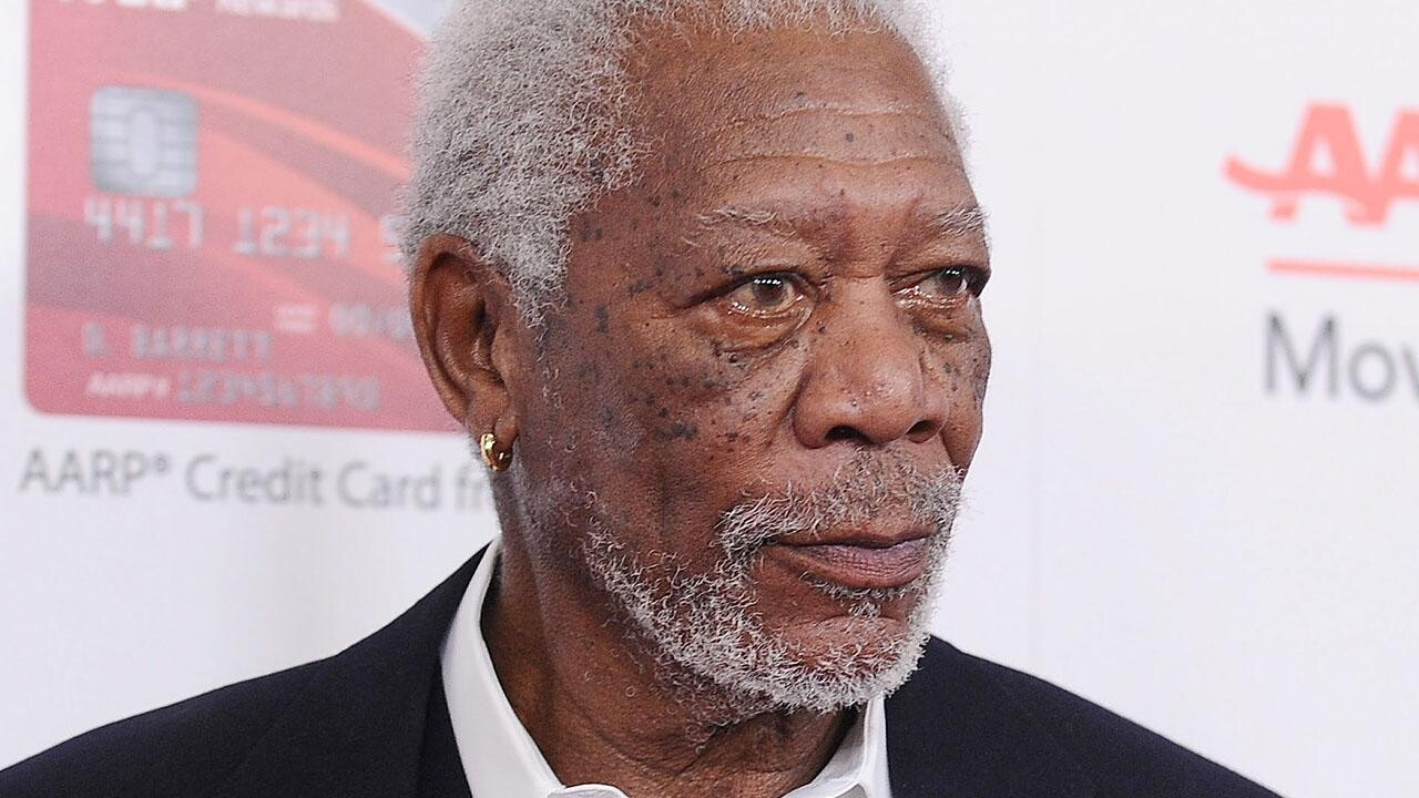 Morgan Freeman Issues Apology After Multiple Sexual Misconduct Allegations Ew Com