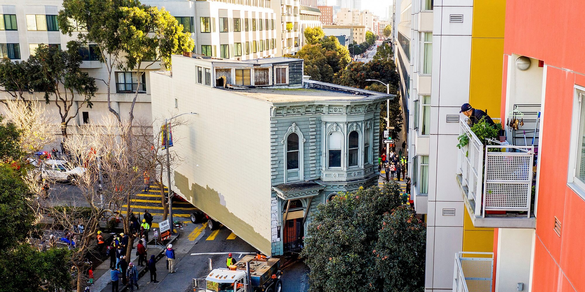 139-Year-Old Victorian House Was Placed on Wheels and Moved Through San Francisco's Streets