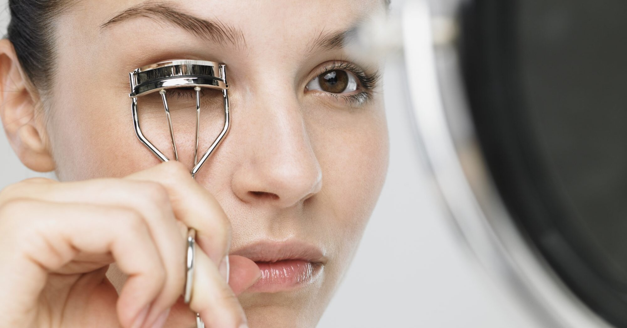 How To Use an Eyelash Curler the Right Way | Southern Living