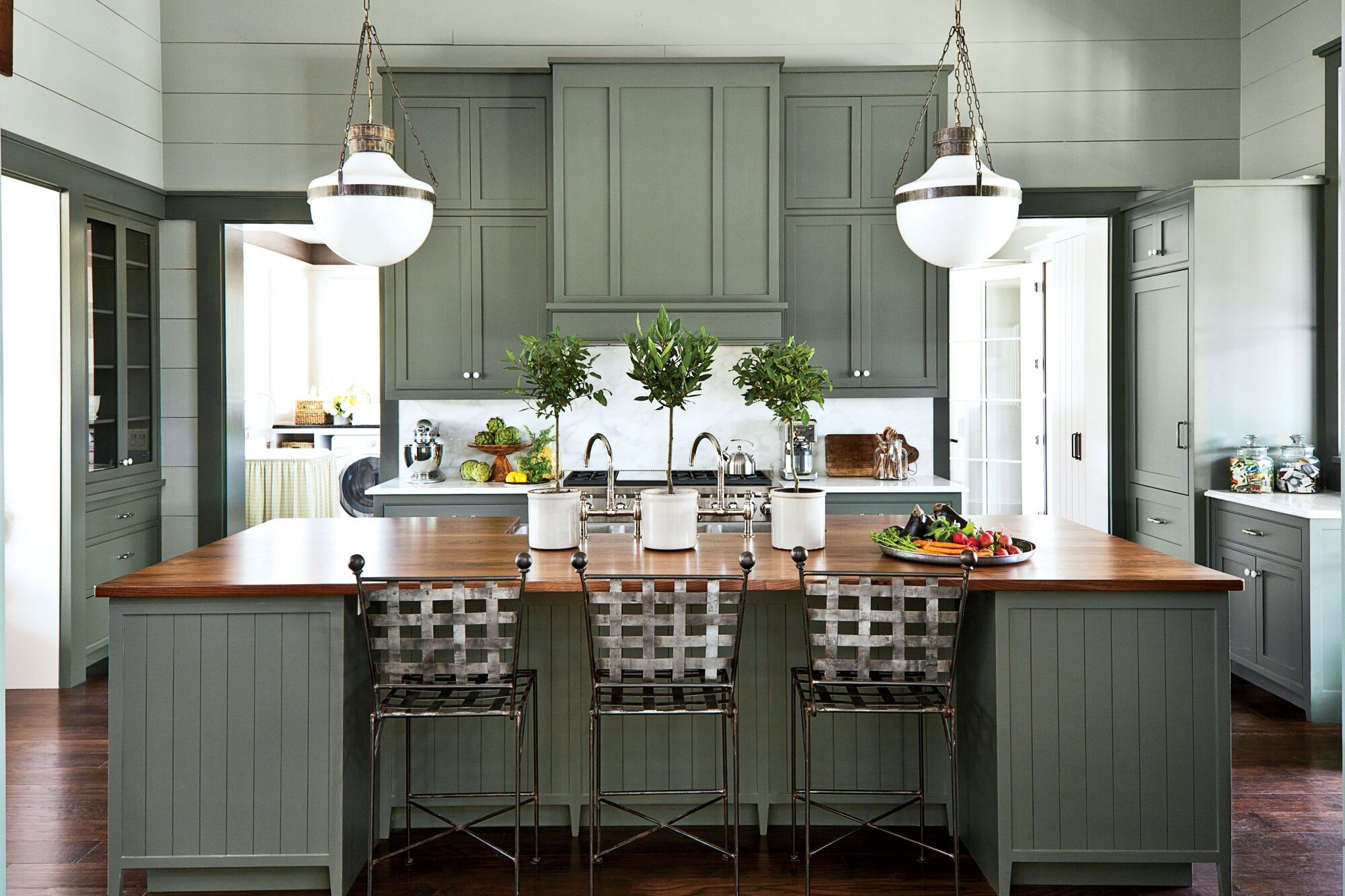 7 Paint Colors We Iacute Re Loving For Kitchen Cabinets In 2020 Southern Living