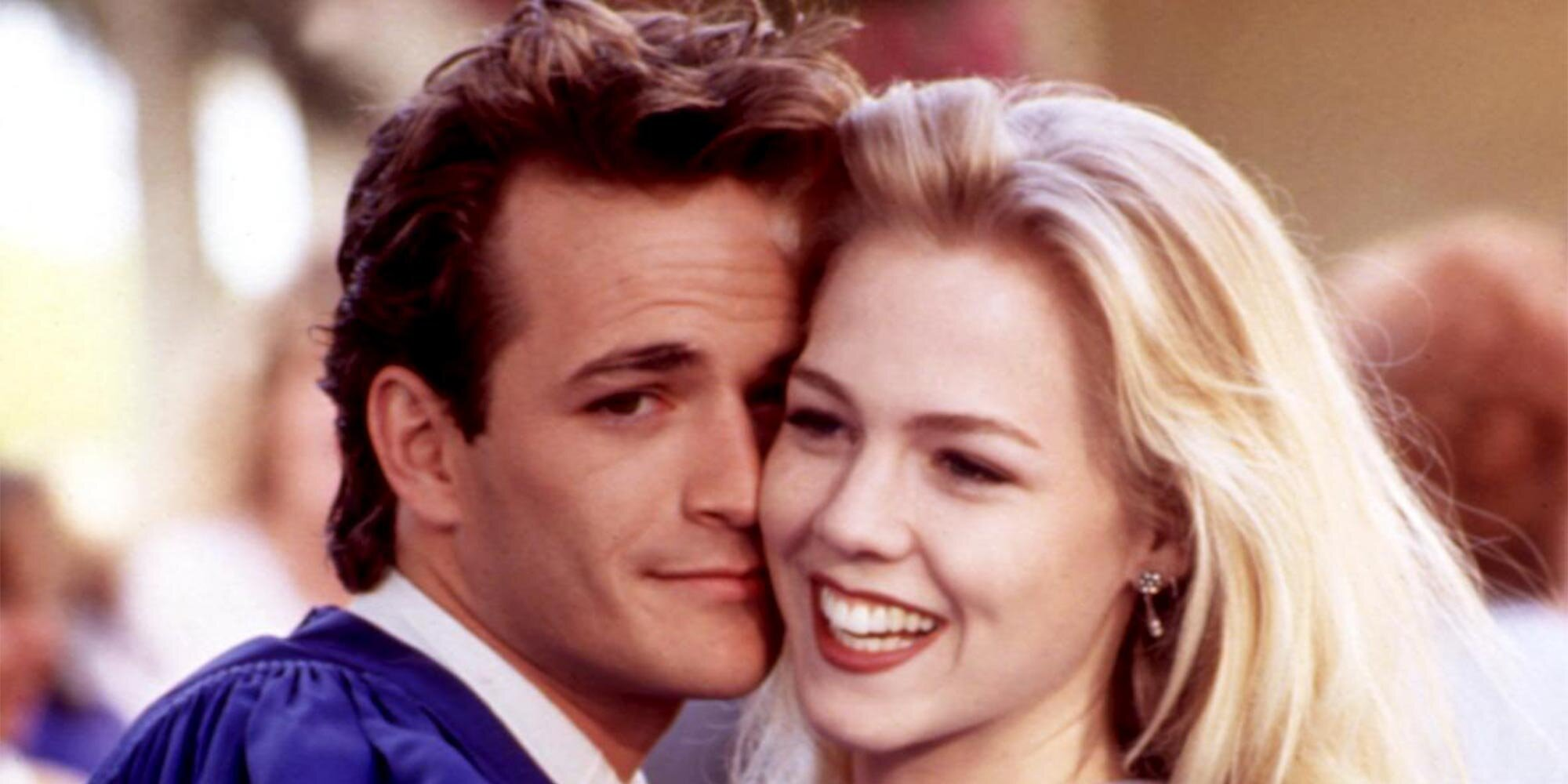 Jennie Garth is nervous about rewatching that famous 90210 love triangle: 'I will feel awkward'.jpg