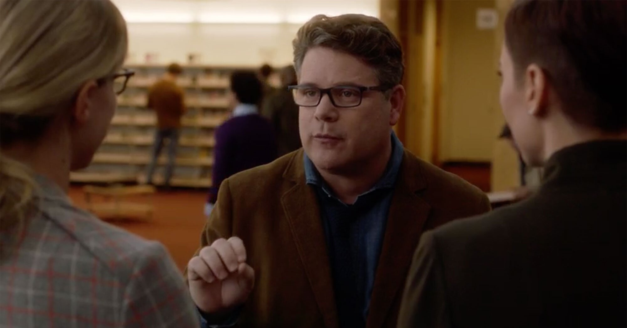 Sean Astin returns to Supergirl in exclusive sneak peek