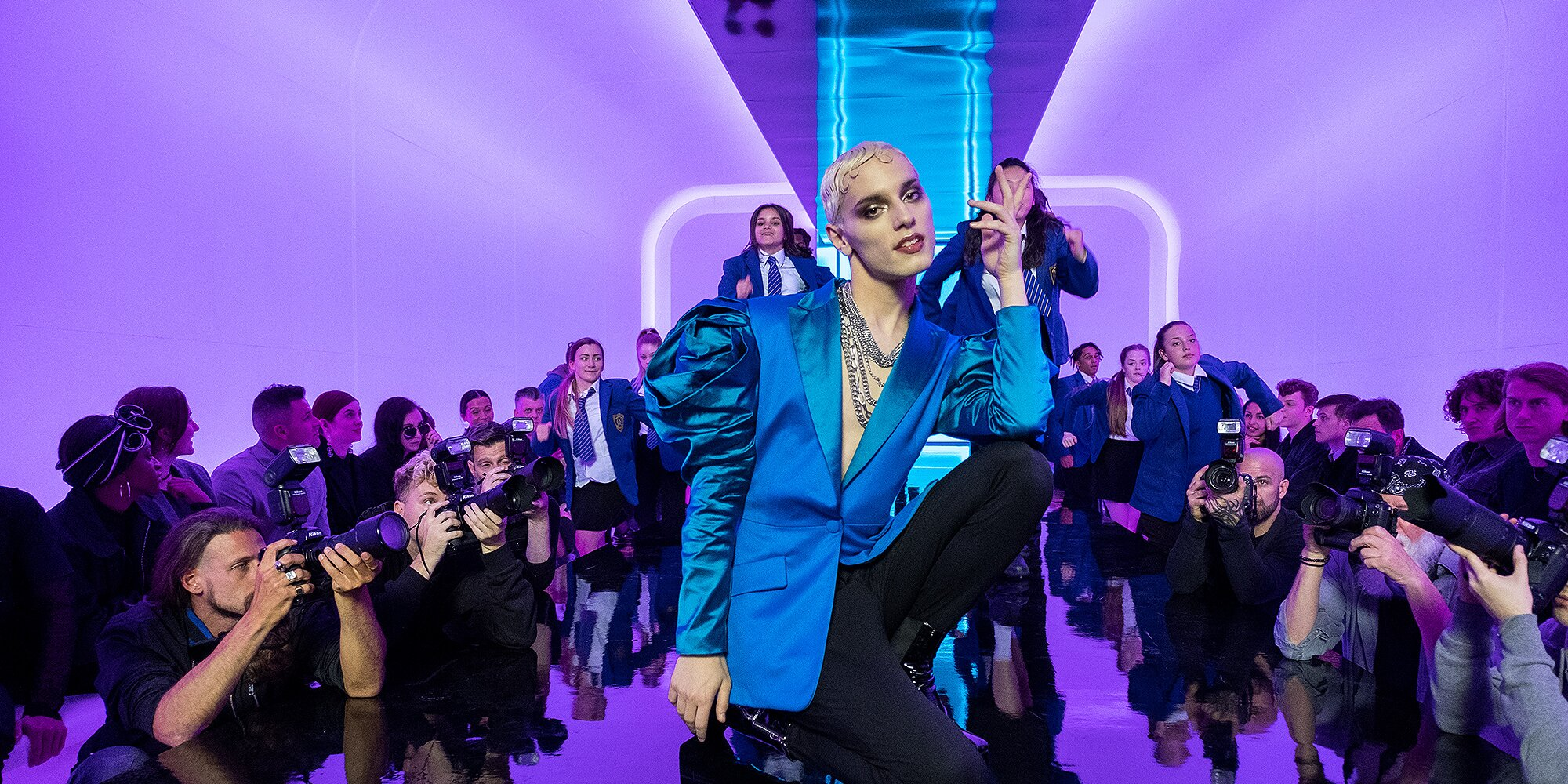 Everybody's Talking About Jamie Star Max Harwood's Breakout Role Taught Him to Be 'Unapologetic'.jpg