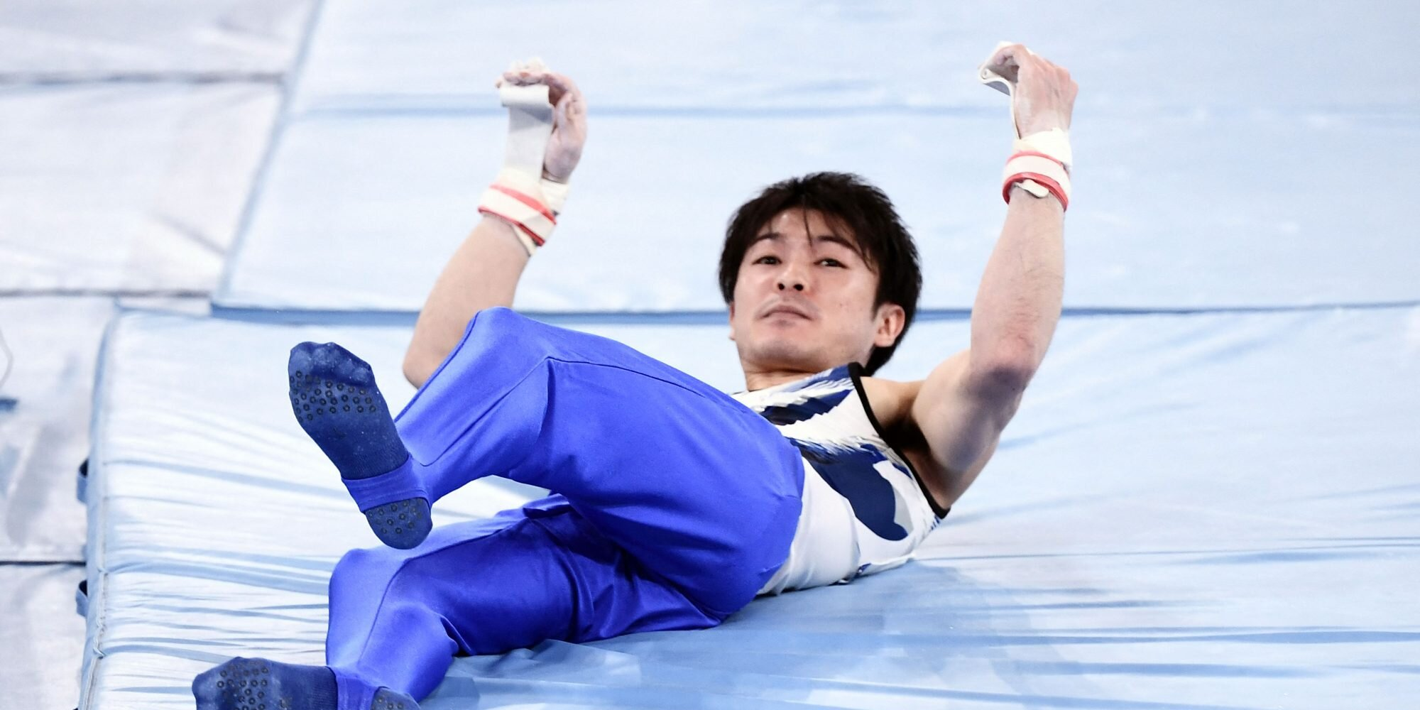 Reigning Gold Medal Gymnast from Japan Slips Off Horizontal Bar in Stunning Fall, Out of Olympics