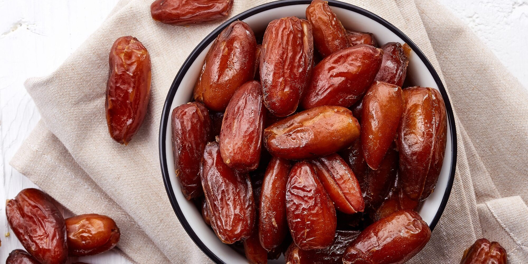 High Fiber, Healthy Flavonoids, and More Fantastic Reasons to Start Snacking on Dates