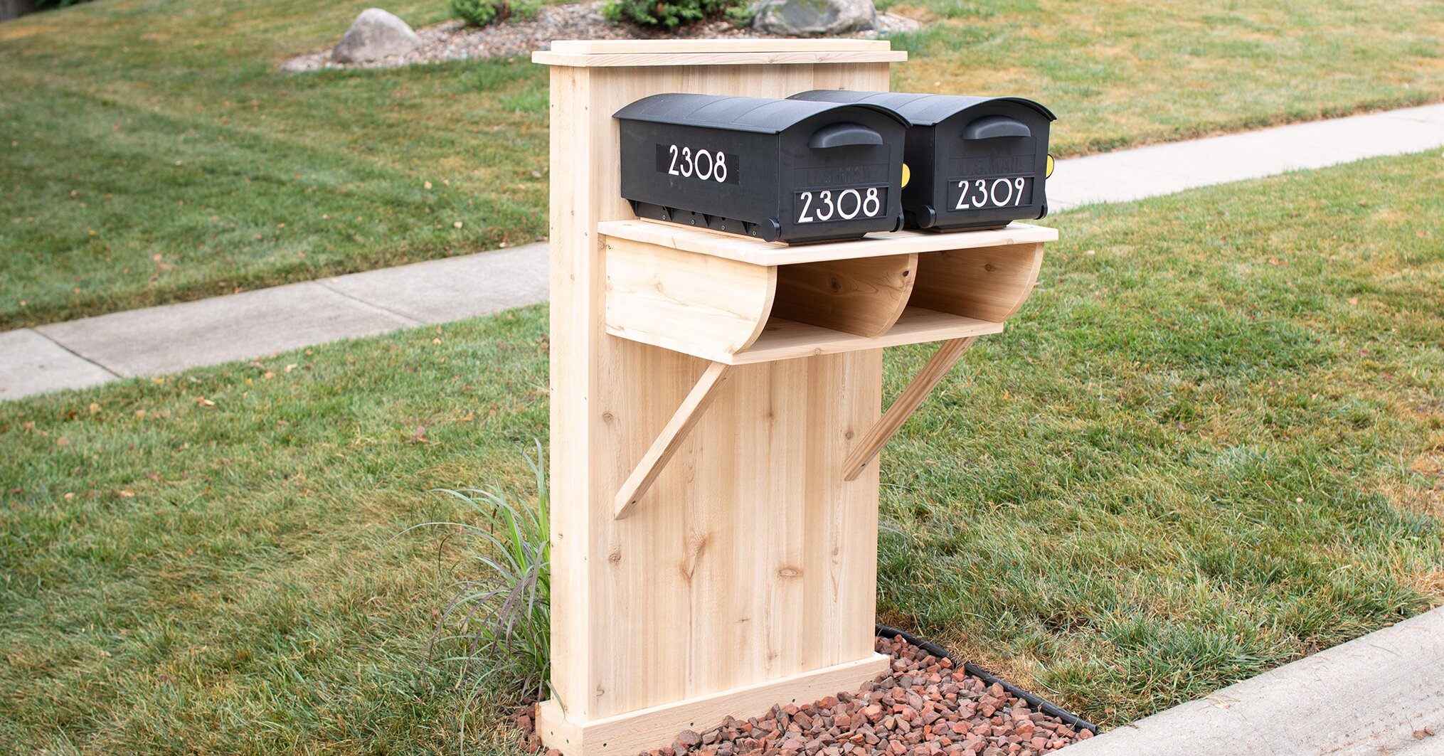 Make Your Mailbox Look Like a Million Bucks with This DIY Design