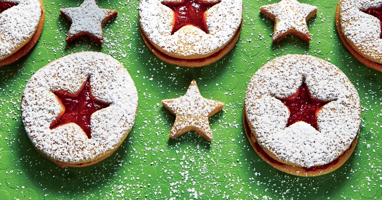 Christmas Cookie Recipes That Are Made with a Jar of Jam