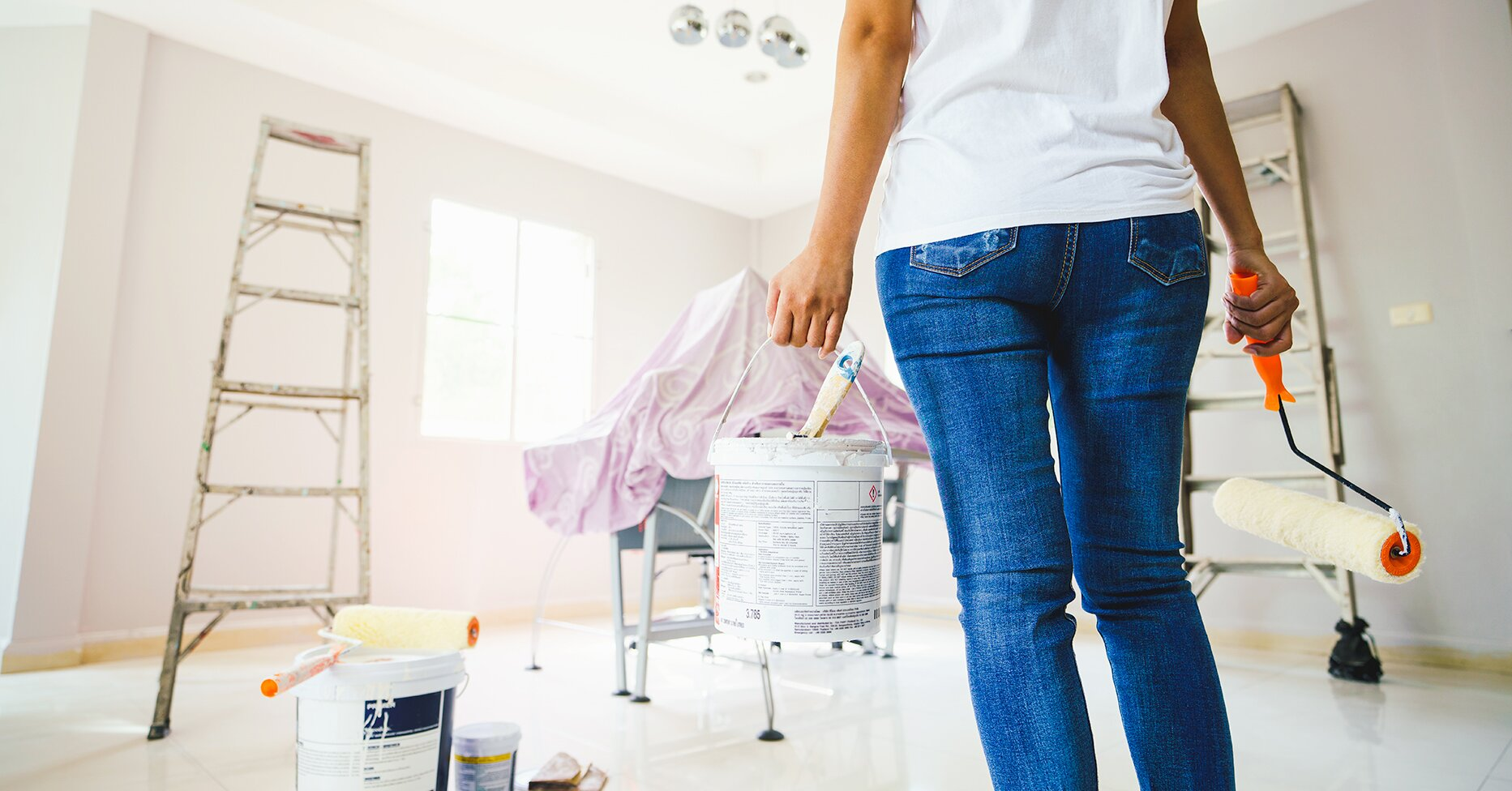 Spray Painting or Roll Painting Your Walls: Which Is the Best Method?