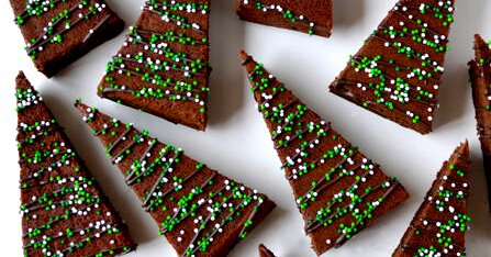 35 Holiday Cookie Bars That Require Zero Scooping and Rolling