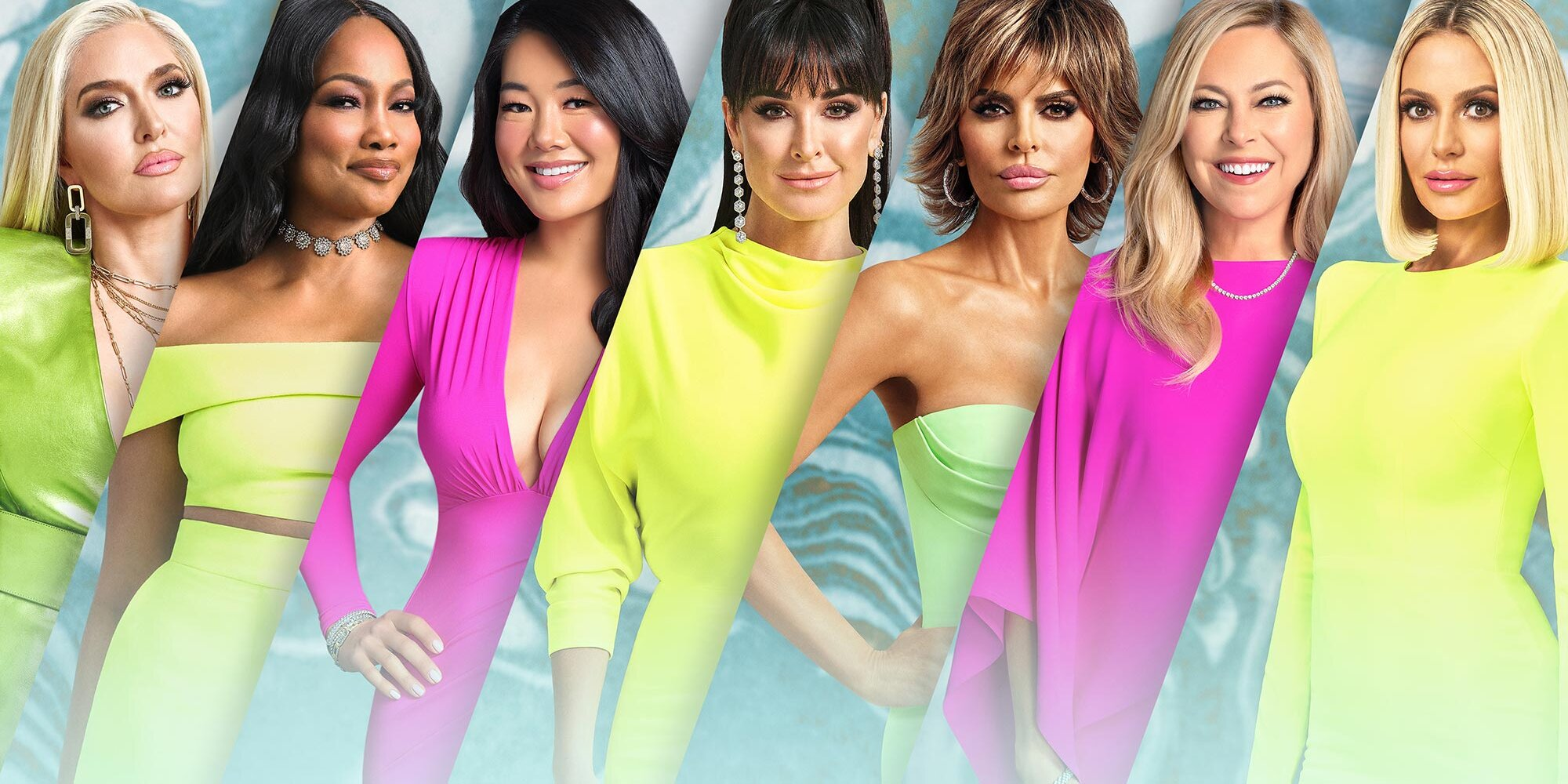 The Week in 'Wives: A RHOBH mass text and RHONY microaggression.jpg