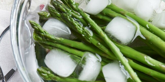 how to blanch and shock vegetables in 3 easy steps