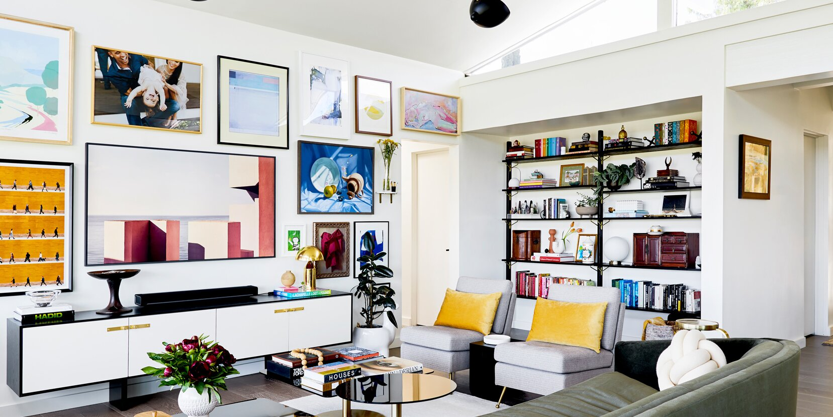 Follow This Guide When Decorating a Large Living Room Wall Space
