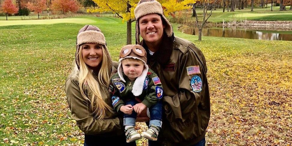 Bachelor's Bob Guiney Expecting Baby No. 2 with Wife Jessica: '2021 Just Got a Whole Lot Better'.jpg