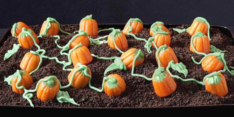 sweet and spooky halloween cake decorating ideas