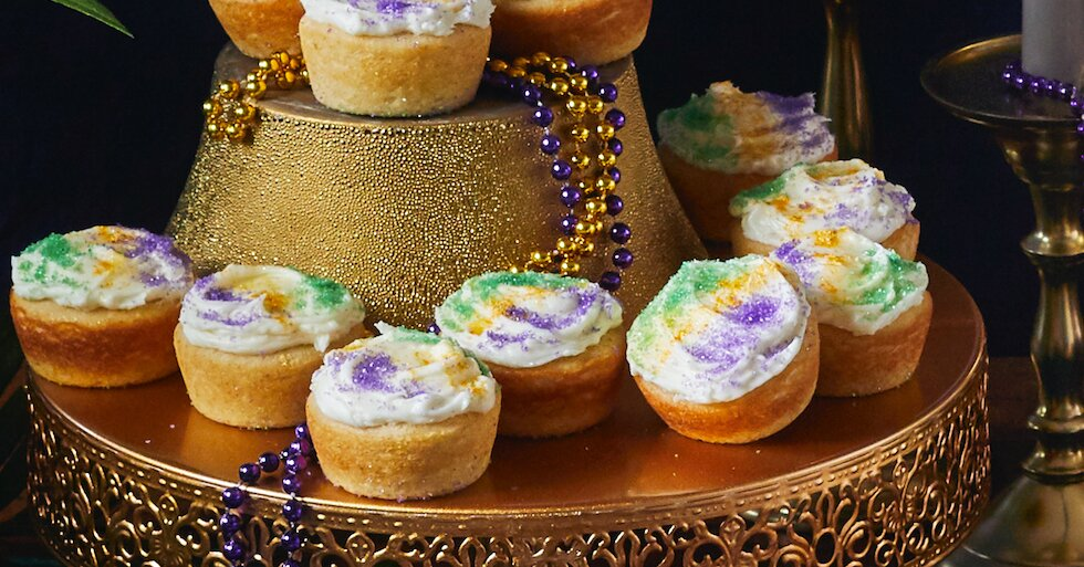 8 Mardi Gras Cupcakes to Get the Party Started