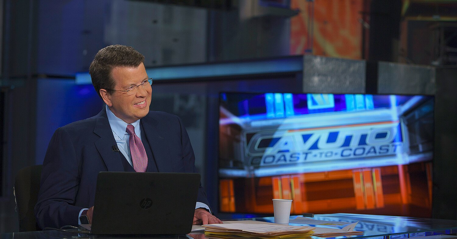 Fox News Anchor with MS Returns to Studio for Election Night amid COVID: 'I'm Ready For It'