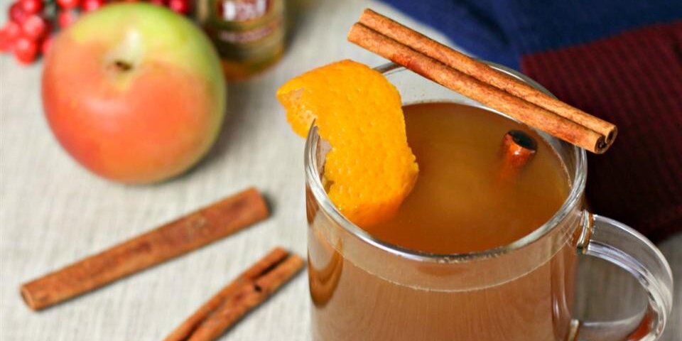 15 apple cocktails to sip all fall