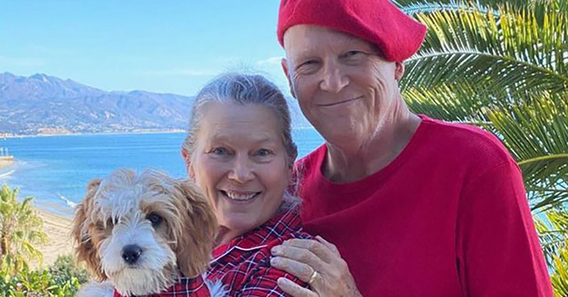 Jeff Bridges Wears Matching PJs with Wife, Shares New Year 'Plan' Following Lymphoma Diagnosis