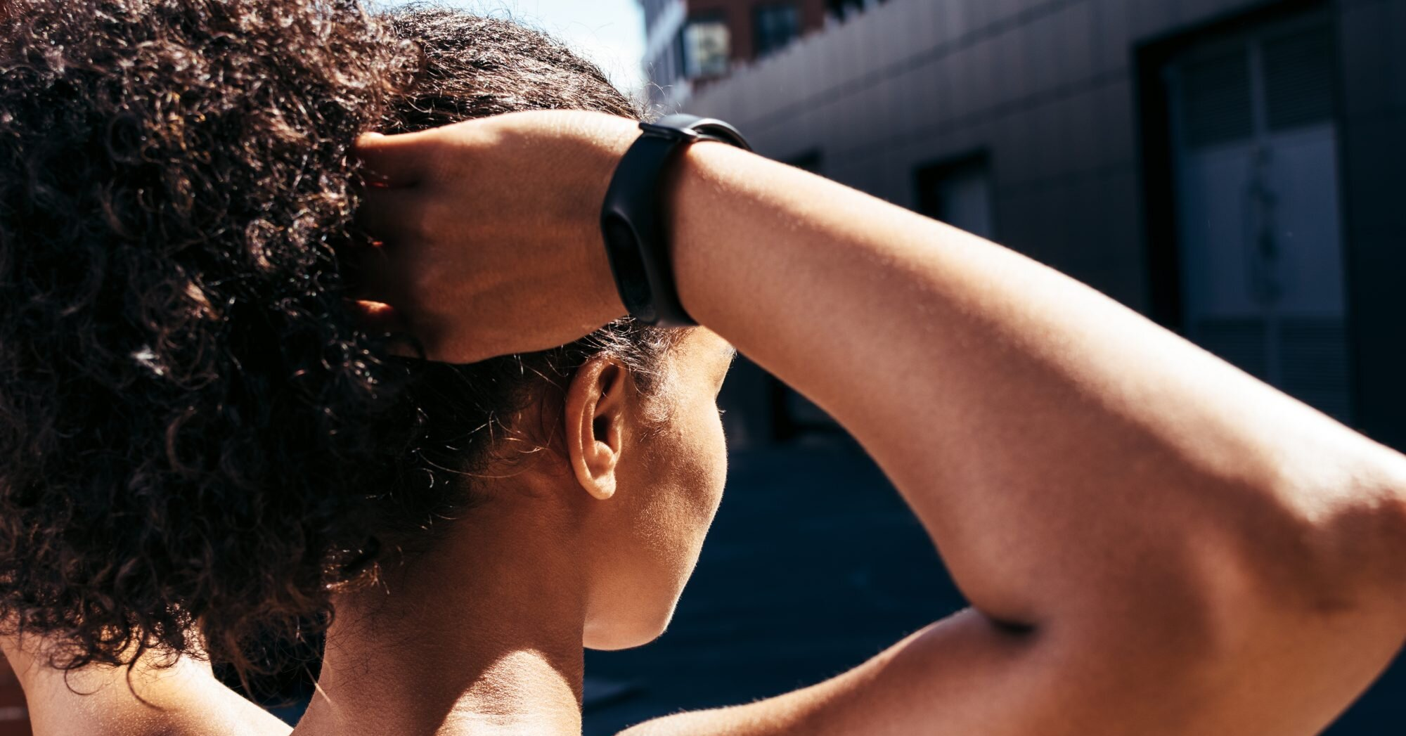 How to Refresh Your Hair After a Workout Without Actually Washing It