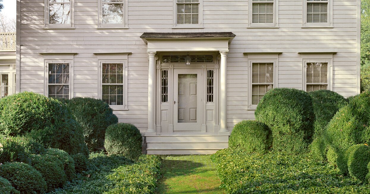How to Choose the Right Exterior Paint Colors for Your Home Based on Its Architectural Style