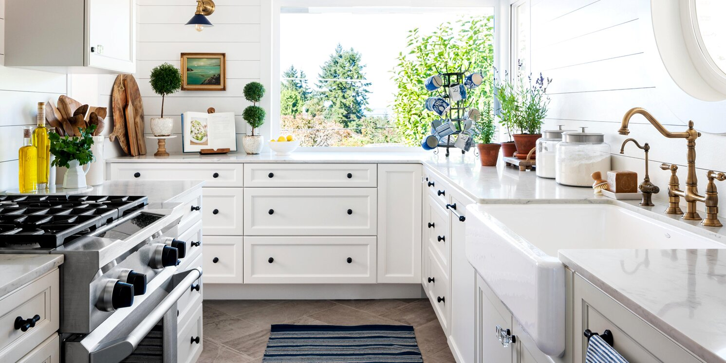 How To Clean Kitchen Cabinets Including Those Tough Grease Stains Better Homes Gardens