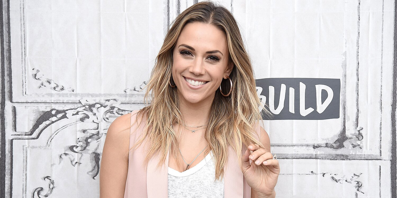Jana Kramer Says She Sold Her Wedding Ring to Renovate Her Home amid Split from Mike Caussin.jpg