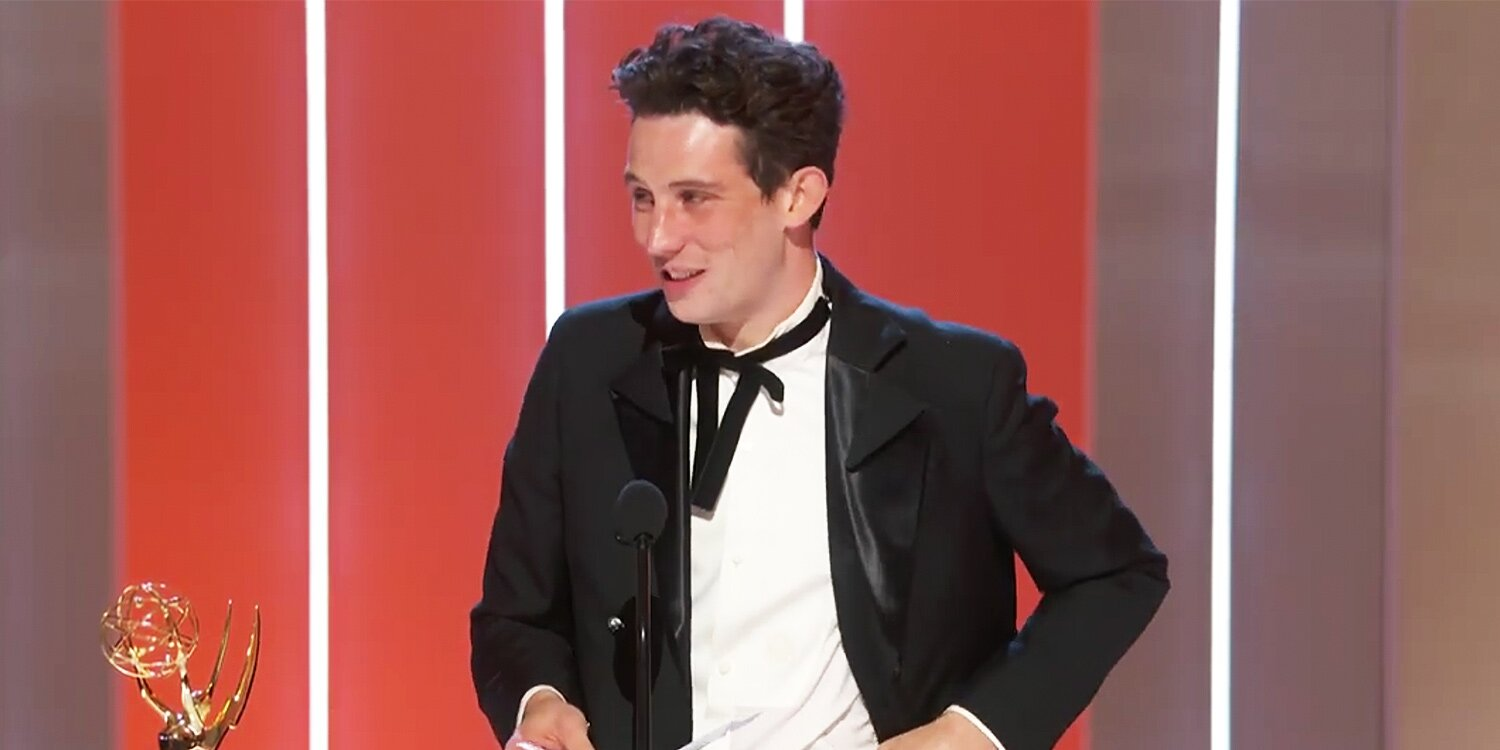 The Crown's Josh O'Connor Thanks Costar Emma Corrin in Emmys Acceptance Speech: 'I Love You'.jpg