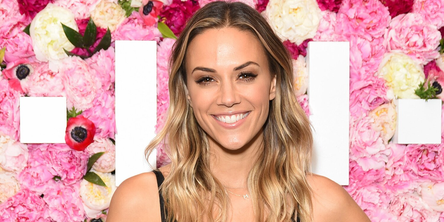 Jana Kramer Cries While Teasing Song She Wrote for Her Kids: 'You Deserve the Perfect Family'.jpg