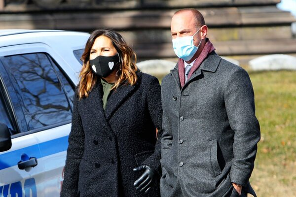 """Mariska Hargitay and Christopher Meloni are seen on the set of """"Law and Order: SVU"""" on January 25, 2021 in New York City"""