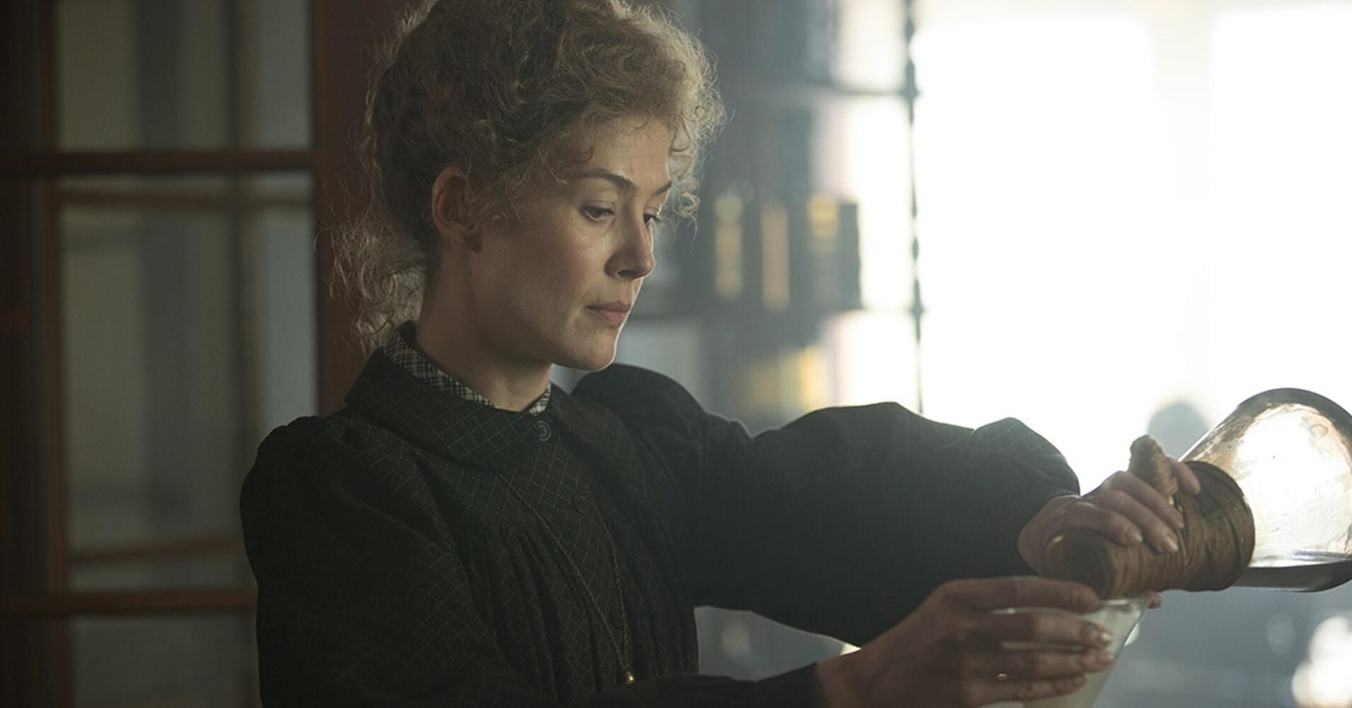 See Rosamund Pike as Marie Curie in Radioactive trailer | EW.com