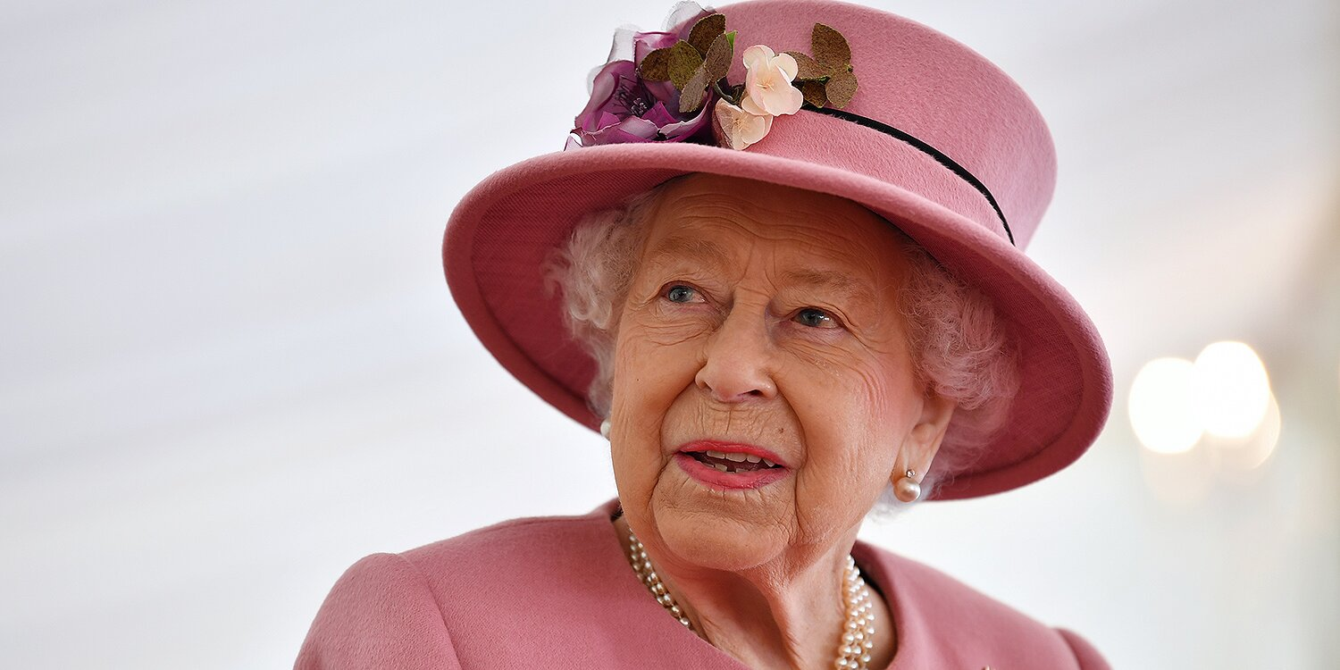 The Hidden Meanings Behind Queen Elizabeth's Famous Brooches.jpg