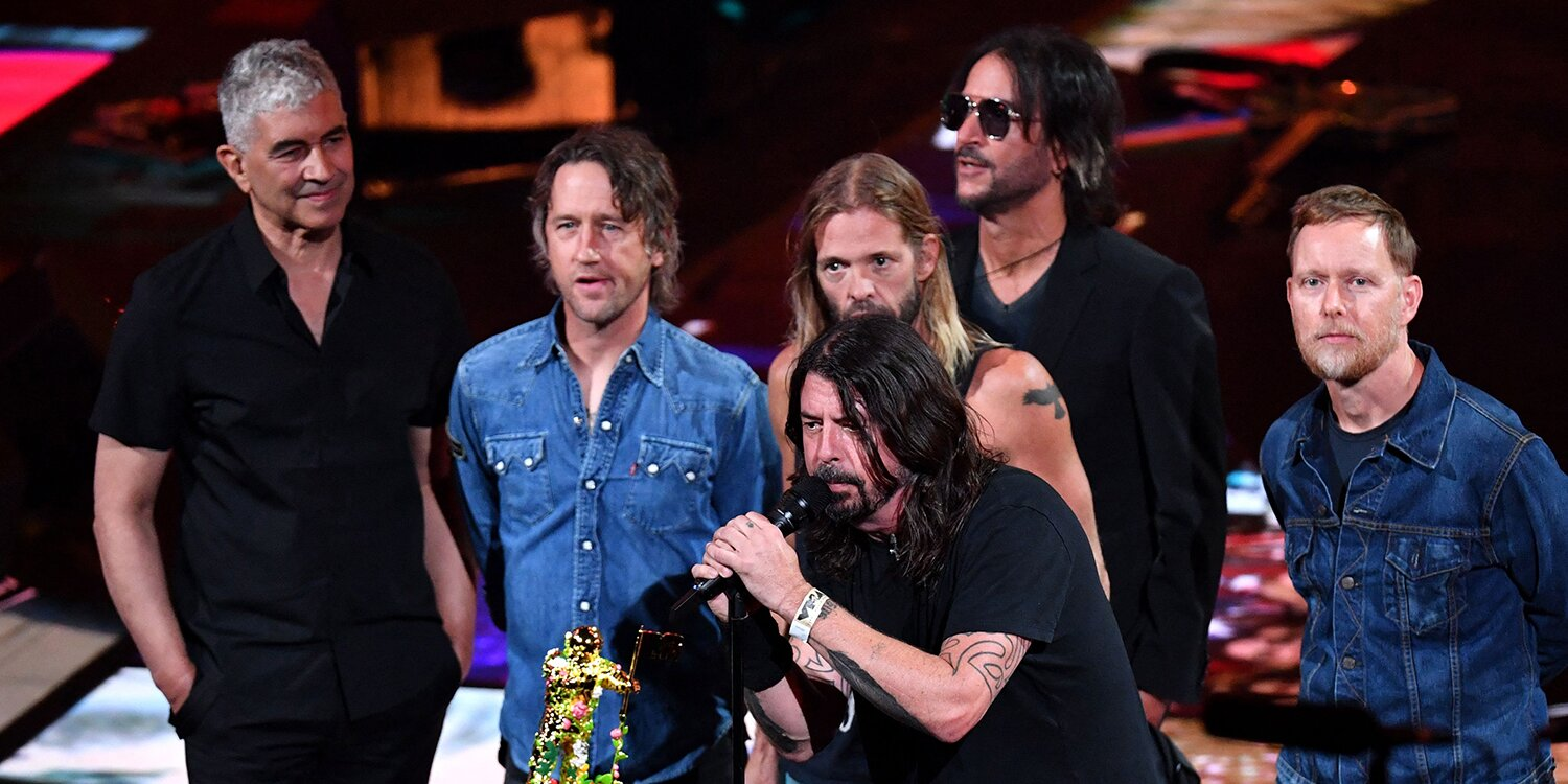 Dave Grohl Says He 'Feels Pretty Good' as the Foo Fighters Accept the U.S. Global Icon Award at 2021 MTV VMAs.jpg