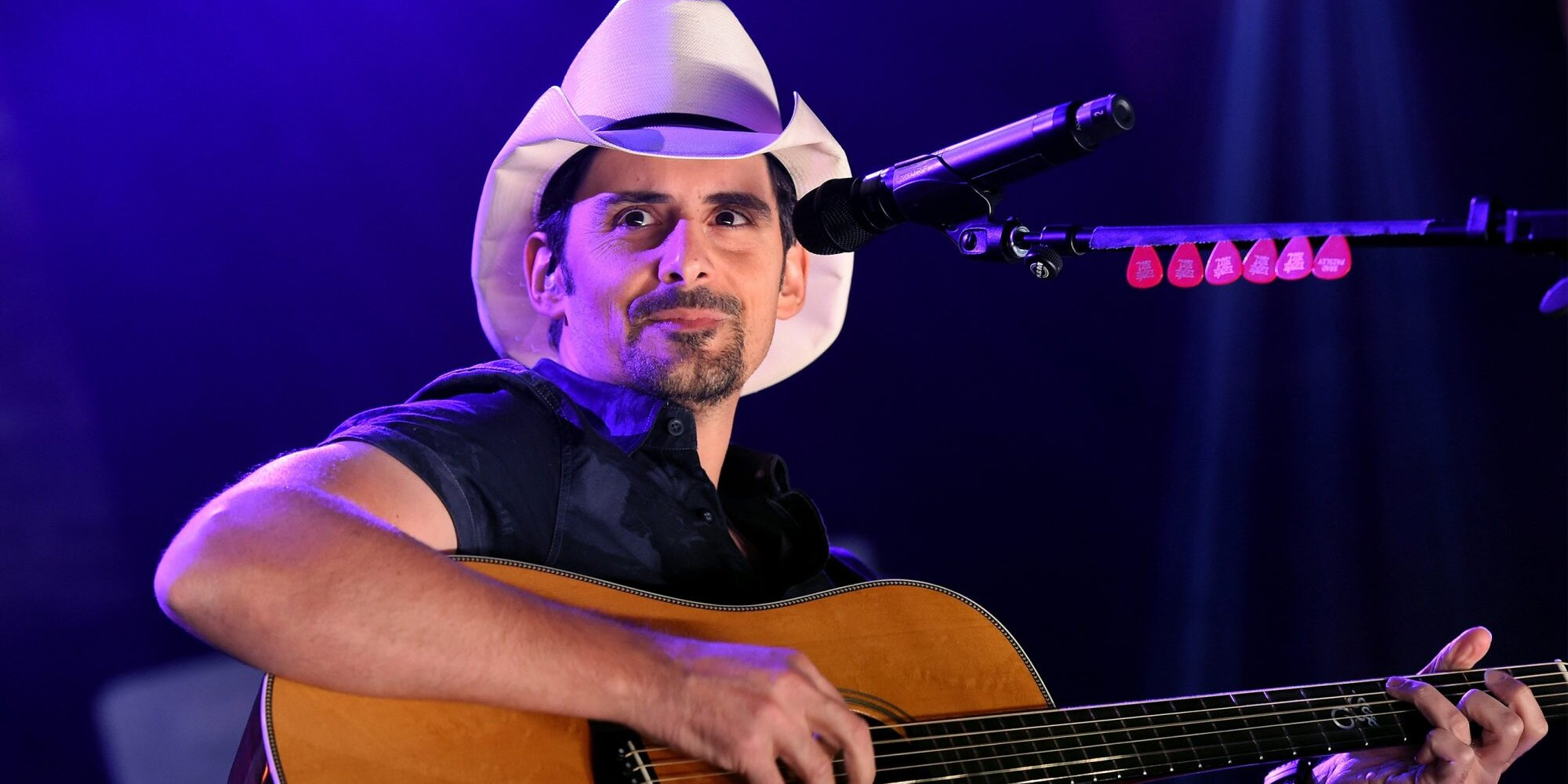 Brad Paisley Looks Back on His Year of Lifting Spirits That Started with His Own Emotional Breakdown.jpg