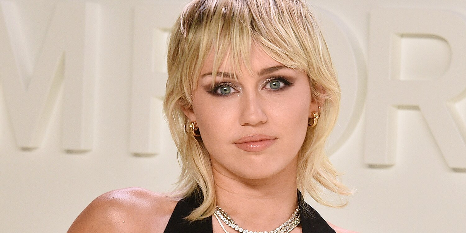Miley Cyrus Says Playing Hannah Montana Caused Her to Have an 'Identity Crisis'.jpg